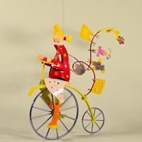 Niedliches Metall-Mobile zum Aufhängen für Mädchen – Kinderzimmer-Dekoration buntes Radfahrer-Mobile – Geschenk für Mädchen